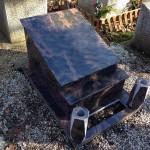 Auróra urna kripta sírkő