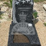 Labrador urna gránit sírkő