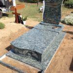 Olive Green Szimpla sírkő