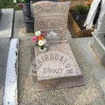 Rosa Porrino urna gránit sírkő